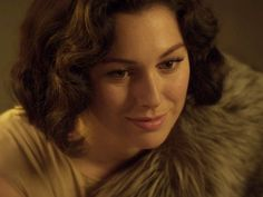 Las chicas del Cable Netflix Series, Series Movies, Nerd Problems, Film Serie, Period Dramas, Film Stills, All About Fashion, Celebrity Crush, New Music