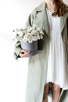 Коробка с цветами - лучший подарок для любого повода Mint Flowers, Duster Coat, Catalog, Jackets, Fashion, Down Jackets, Moda, Fashion Styles, Brochures
