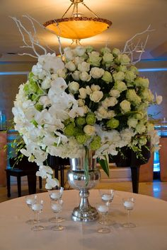 Decor-Centerpiece-Tablescape www.tablescapesbydesign.com https://www.facebook.com/pages/Tablescapes-By-Design/129811416695