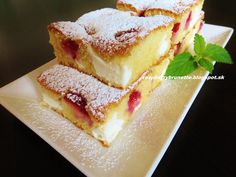 Raspberrybrunette: Jahodová bublanina s tvarohom  Jednoduchá, rýchla,... Cheesecake, Czech Recipes, Sweets Cake, Pound Cake, Relleno, Sweet Recipes, Nom Nom, French Toast, Sandwiches