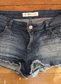 Kaufe meinen Artikel bei #Kleiderkreisel http://www.kleiderkreisel.de/damenmode/jeans-shorts/122531316-gemusterte-jeans-short-von-denim