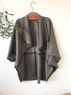 着物 リメイクに挑戦 Sewing Patterns Free, Free Sewing, Sewing Ideas, Ideias Fashion, Kimono Top, Blazer, Costumes, Silk, My Style