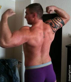 muscle guy flexing