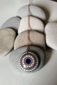 Mandala / Handcrafted / Ceramic Jewelry -  Collana con ciondolo in ceramica