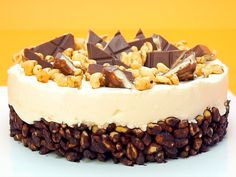 Kinder-Country-Torte – so geht's Easy Smoothie Recipes, Snack Recipes, Natural Yogurt, Cinnamon Cream Cheese Frosting, Pumpkin Spice Cupcakes, Coconut Recipes, Fall Desserts, Ice Cream Recipes, Eat Cake