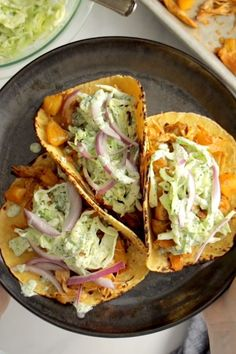 Instant Pot Hawaiian Chicken Tacos with Jalapeño Ranch Slaw Pinch of Yum is part of Chicken recipes - Instant Pot Hawaiian Chicken Tacos! Juicy pineapple and crispy spiced chicken, tucked into tortillas, and rolled up with creamy jalapeño ranch slaw Chicken Crisps, Chicken Spices, Chicken Soup, Garlic Chicken, Lime Chicken, Rotisserie Chicken, Keto Chicken, Avocado Chicken, Pineapple Chicken
