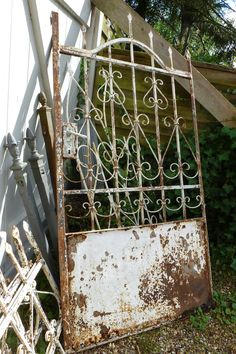 greenhouses and garden gates ~ lilleweiss