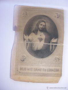 Estampa modernísta con  grabado antiguo Jesús y muchos símbolos religiosos+ oración Sagrado Corazon