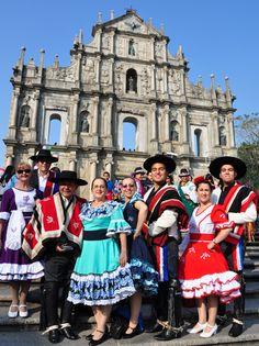 Consulado General de Chile en Hong Kong » Blog Archive » Colorido folklore chileno en celebraciones de Macao (spanish)