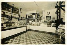 Umpqua Meat Market - Reedsport, OR, 1941 Southern Oregon Coast, Mansions, House Styles, Winchester, Childhood Memories, Abandoned, Washington, Meat, History