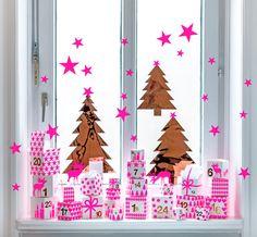 Adventskalender am Fenster