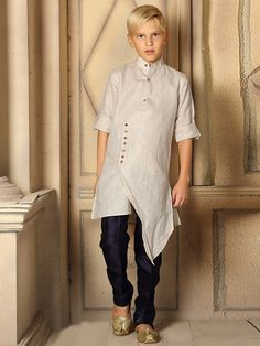 Boys Kurta Suit Shopping - Buy 1 to 16 year Boys Kurta Pajama Sets online Mens Indian Wear, Indian Men Fashion, Fashion Wear, Kids Fashion, Pathani Kurta, Boys Kurta Design, Gents Wear, Kids Wear Boys, Gents Kurta