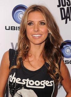 Beauty Long Wavy Hairstyles for Women from Audrina Patridge with Brown Hair Color