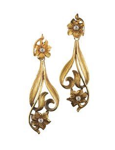 Art Nouveau Diamond Yellow Gold Flower Motif Pendant Earrings. France 1890. | FRED LEIGHTON