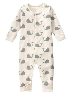 Organic whale one-piece Product Image Gap Kids Clothes, Cute Baby Boy Clothes, Adorable Baby Clothes, Baby Gap Boy, Baby Boy Suit, Baby Boy Romper, Unisex Baby Clothes, Organic Baby Clothes, Baby Boy Outfits