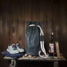 Chocolate leather vintage bag, duffel bag plus backpack, Sailor bag Wide Leather Belt, Green Leather, Leather Duffle Bag, Duffel Bag, Crazy Horse, Green Backpacks, Hardware, Medium Bags, Green Bag