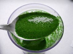 This sauce, with a great parsley taste, is perfect with steamed vegetables or fish. At the bottom you will find the coulis version of this recipe. Veggie Recipes, Gourmet Recipes, Healthy Recipes, Coulis Recipe, Sauces, Healthy Wraps, Steamed Vegetables, Chicken Wraps, Parsley