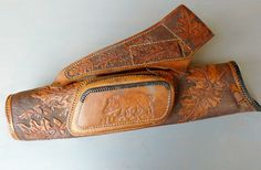 Boar stamped leather quiver
