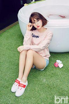G-Friend's Eunha releases amazing photos from her first ever solo photo shoot Kpop Fashion, Korean Fashion, South Korean Girls, Korean Girl Groups, K Pop, Solo Photo, Jung Eun Bi, Cute Poses, G Friend