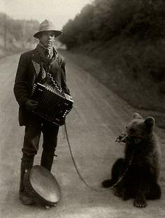 Ein Foto des deutschen Fotografen August Sander, 1876-1964, mit dem Titel…