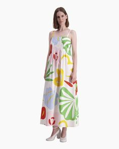 The long Kutitus dress is made of cotton with the off white, red and green Viidakko (Jungle) pattern, which is printed in Helsinki. The spaghetti strap dress has a slightly widening cut to the hemline at the ankle, a concealed zipper at the side seam and Sexy Dresses, Casual Dresses, Summer Dresses, Marimekko Dress, Normal Body, Jungle Pattern, Long Toes, Spaghetti Strap Dresses, Green Dress
