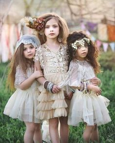 Golden girls, just magic✨ Photo shared by @tnmkgirls @raineyscloset #allthatglitters #circusrunaways @kaleahdoll