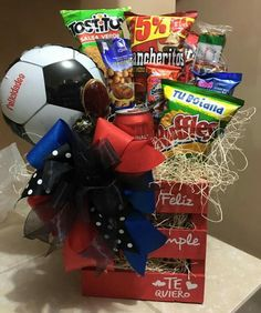 I Really Love You, Candy Bouquet, Chocolates, Ideas Para, Fathers Day, Diy And Crafts, Birthday Gifts, Basket, Jeans