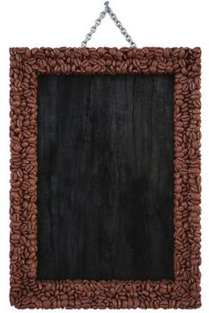 Coffee beans around a chalkboard/corkboard. Coffee Bean Decor, Coffee Bean Art, Coffee Beans, Coffee Theme Kitchen, Coffee Set, Iced Coffee, Coffee Drinks, Coffee Instagram, Kitchen Decor Themes