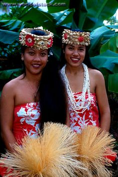 Polynesian Cultural Center.  Great place.  Beautiful ladies.  One of them is my sister!