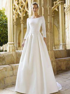Закрытое свадебное платье с рукавами. Идеальный выбор для венчания или свадьбы в холодное время года