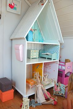 Very cute doll house idea