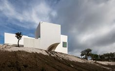 Between Heaven And Earth: A Residence In Melides, Portugal by Manuel Aires Mateus And SIA Arquitectura