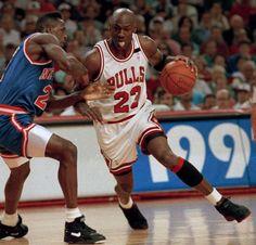 Jordan drives on Wilkins, '92 East Semifinals.
