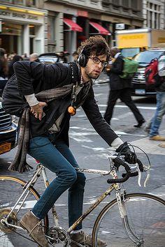 New bike rider bicycles street styles ideas Bmx, Bici Retro, Bicycle Decor, Bike Photoshoot, Velo Vintage, Urban Cycling, Cycle Chic, Commuter Bike, Bike Rider