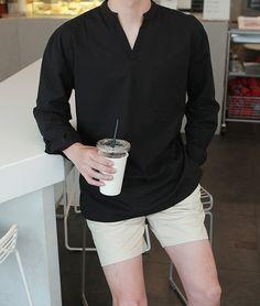 Mens Fashion Smart – The World of Mens Fashion Korean Fashion Men, Korean Street Fashion, Mens Fashion, Fashion Show Dresses, Casual Street Style, Fashion Lookbook, Mens Clothing Styles, Fasion, Men Dress