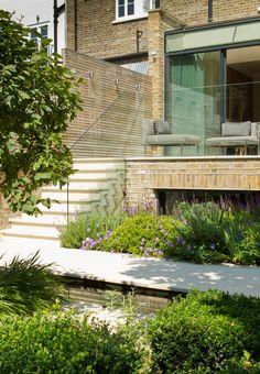 Garden Terrace at Newton Road House in Westbourne Grove : Modern balcony, veranda & terrace by Nash Baker Architects Ltd