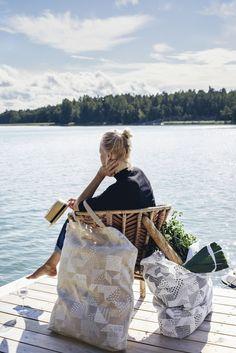 Saana ja Olli Seitsemän palaa Finnish design 100% hemp fabric Made in Finland Avainlippu Photo Suvi Kesäläinen Uusikaupunki