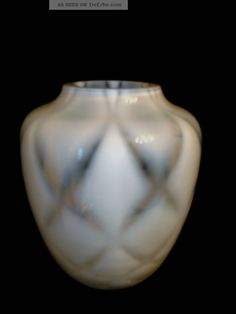 Studioglas Vase With Entangling In opal white, 50er / 60er collectors glass picture