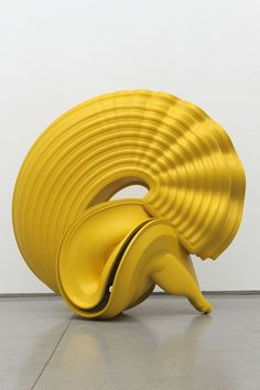 "Tony Cragg, ""Outspan,"" bronze, 2008, photo copyright Charles Duprat"