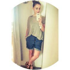 t-shirt di lino rigata e shorts in denim... il look ideale per le calde giornate di questa settimana :-D  #stefanel #stefanelvigevano
