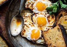 Moroccan fried eggs could not be simpler.or more delicious. The post Spicy Moroccan Fried Eggs. appeared first on Half Baked Harvest. Egg Recipes, Brunch Recipes, Breakfast Recipes, Breakfast Ideas, Vegetarian Breakfast, Breakfast And Brunch, Diet Breakfast, Vegetarian Recipes, Healthy Recipes