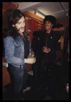 PHIL LYNOTT + LEMMY, they'll be chattin it up again in heaven :-)