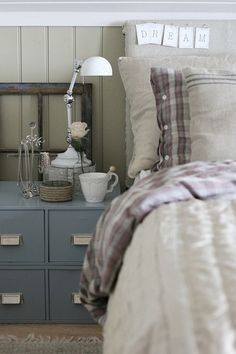 rustic bed...love the dream sign