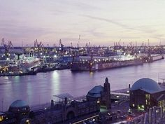 Hamburg St Pauli, Hamburg Germany, Places Ive Been, The Good Place, Travel Destinations, Scenery, Europe, World, City
