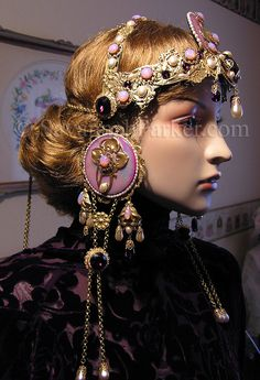 stunning 'LAVISH jeweled silent-film-star style headdress by Savannah Parker' Art Nouveau, Alphonse Mucha, Art Deco Fashion, Star Fashion, High Fashion, Style Steampunk, Lace Outfit, Edwardian Fashion, Antique Lace
