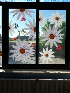Mother's Day Projects, Craft Projects, Diy And Crafts, Arts And Crafts, After School Club, Window Art, Paper Gifts, Spring Crafts, Nail Designs