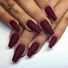 burgundy nails matte