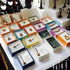 Encuentra las novedades!! !! Estamos en Mall Espacio M desde el 25 al 30 de Enero/16  Morandé con CompañíaMetro Plaza de Armas #joyasmadera #joyas #madera #feria #mallespacioM #mall #FeriaChic #rauli #aceroQuirurgico #aros #collares #pulsera #jewel #jewelry #earrings #necklace #bracelet