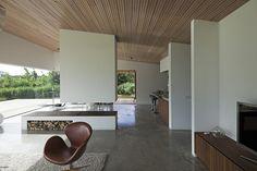 Una moderna villa entre colinas por 70F architecture | diseño de interiores en casa