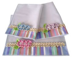 stripe border tea towel with embroidered flowers and trim. I might use YoYos instead. Dish Towels, Hand Towels, Tea Towels, Fabric Crafts, Sewing Crafts, Sewing Projects, Hand Embroidery, Embroidery Designs, Hanging Towels